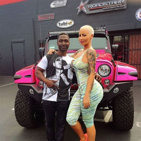 amber rose jeep amber rose s jeep gets chrome pink wrap treatment