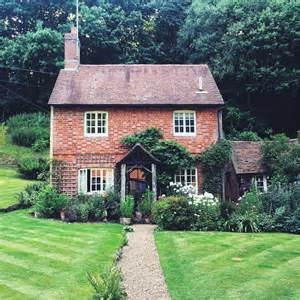 Cottages In Surrey by Surrey Uk Beverly Usa Travel Guide Inspired By