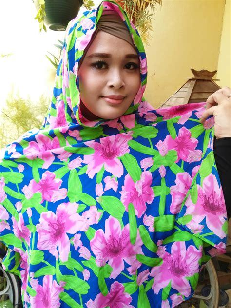 Segiempat Bunga Segiempat Motif Segiempat Abstrak pashmina motif bunga pink dan biru scarf