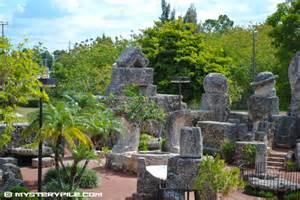 South Garden Castle Rock Ed Leedskalnin S Coral Castle Rock Garden