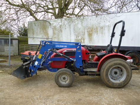 mahindra tractor loader mahindra 254 tractor loader 4 in 1 4x4 compact 3