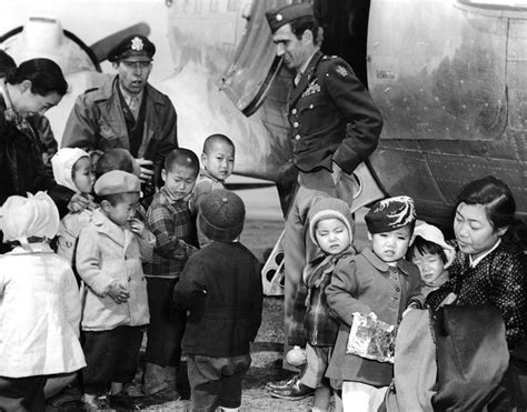 Materai 30 Sen Tahun 1953 file lcol blaisdell and col hess visit orphans on jejudo