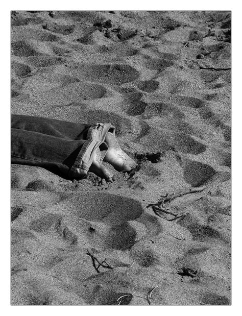 i dig my i dig my into the sand by robcwilliams on deviantart
