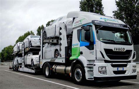 Camion Porte Voitures by 10 Camions Porte Voitures Au Gaz Pour I Fast Automotive