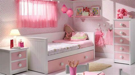 habitaciones de  solo color padres