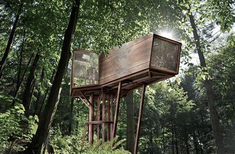 treehouse masters plans antony gibbon s inhabit treehouse lets you sleep high up