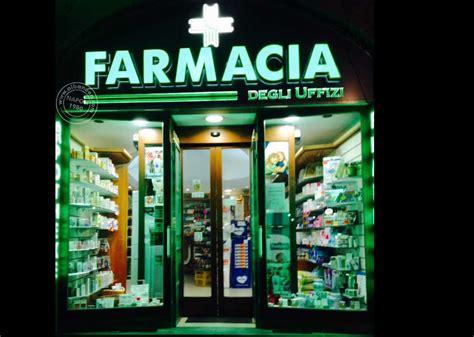 scritte illuminate insegne luminose a led farmacia firenze insegne it
