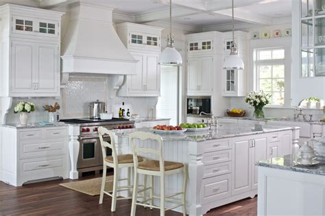 White cottage farmhouse kitchens country kitchen designs we love outintherealworld com