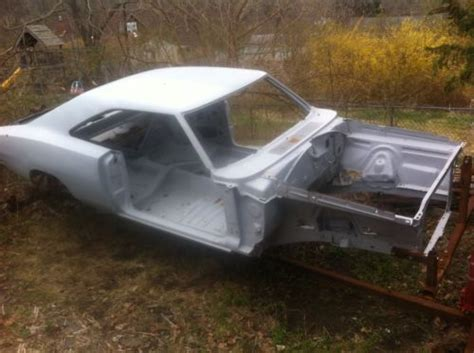 1969 dodge charger and frame for sale sell used 1969 dodge charger rt 440 4 speed on