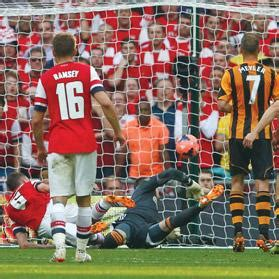 arsenal yesterday goals arsenal hit back to edge past hull in thrilling wembley
