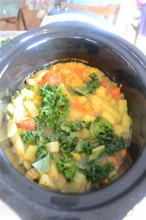 The Best Detox Lentil Soup by Mediterranean Kale Soup