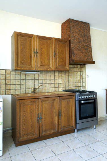 meubles pour cuisine la peinture pour meuble de cuisine qui ne cache pas le bois