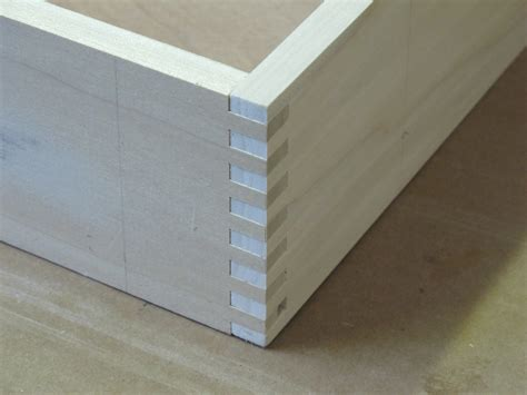 Drawer Box Joints by Luthier Bench Finewoodworking