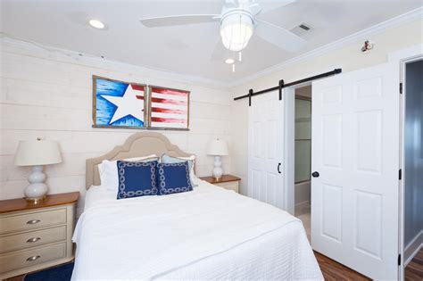 guest house bedrooms david bromstad s beach house decorating tips beach flip