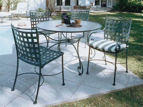 tavolo in ferro da esterno tavoli da giardino in ferro tavoli per giardino tavoli