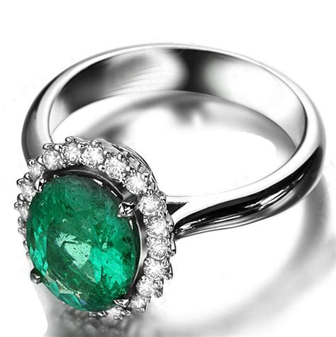 beautiful 1 50 carat oval shape emerald and halo