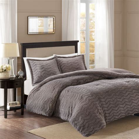 Fur Comforters by 1000 Ideas About Fur Comforter On Fur Bedding
