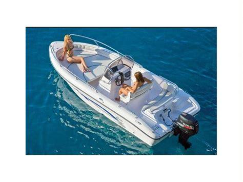 cobalt boats new hshire boat ranieri cantieri nautici voyager 19 inautia