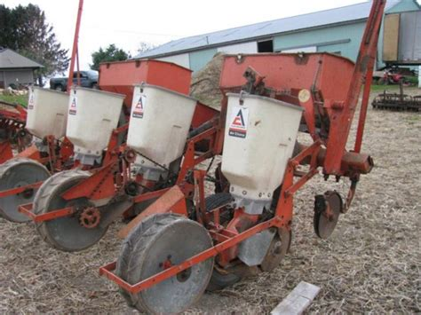 Allis Chalmers Planter by Allis Chalmers Model 770 4 Row Corn Planter With
