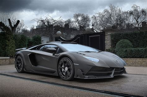 Stunt Lamborghini Billionaire Stunt Takes Delivery Of 4 3m