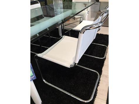 tavolo le corbusier prezzo cassina le corbusier tavolo cristallo e sedie jacobsen in
