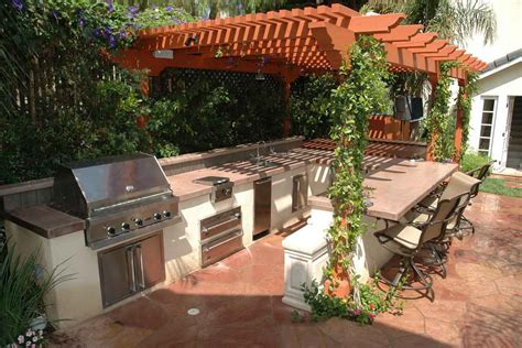 brainstorming the outdoor kitchen roof ideas for a unique
