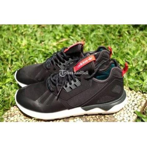 sepatu nike masih mulus sepatu adidas running tubular runner size 42 bekas mulus