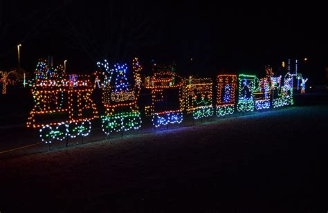 spectacular christmas light show at skylands stadium