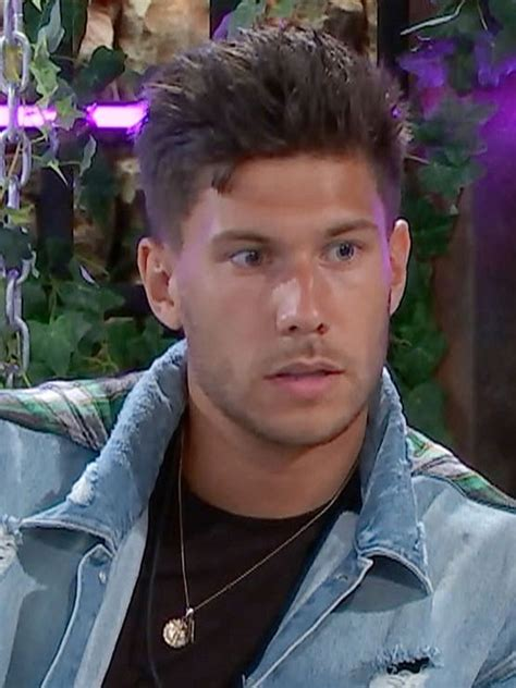 laura love island celebrity ex love island 2018 jack fowler denies tension with ex