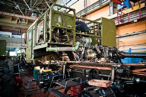Truk Rudal inilah proses pembuatan truk peluncur rudal rusia