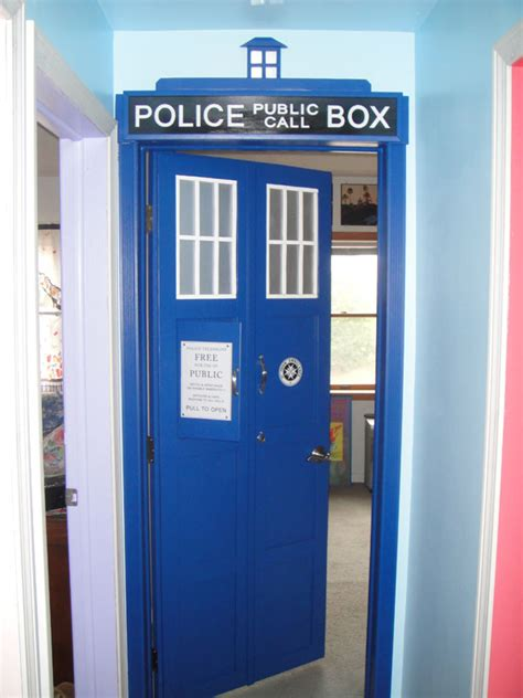 Bedroom Paint Ideas 2013 tardis door