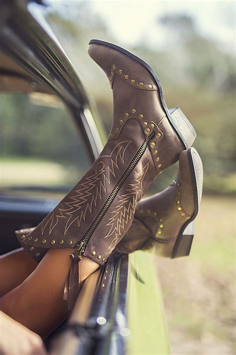 Kick Up Your Heels And Go by 23 Best Images About She S A Country On