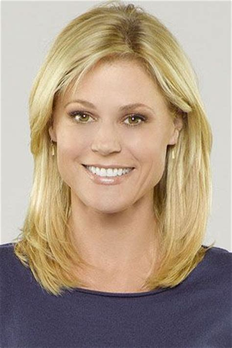 claire dunphy s hairstyles modern family julie bowen as claire dunphy hair