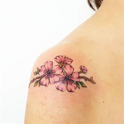 tatuaggi fiori pesco tatuaggio fiori di pesco perch 233 sceglierlo come