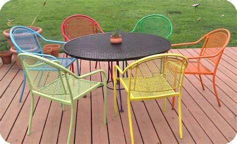 Pin Or Pass Diy Picnic Table And Updated Plastic Chairs Colorful Patio Chairs