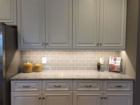 kitchen backsplash glass subway tile best 25 glass subway tile ideas on glass tile