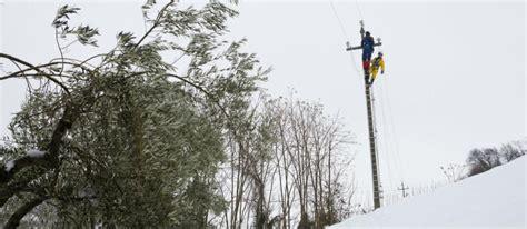 situazione delle marche neve e sisma regione marche diffida l enel continua