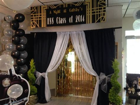 ideas for decorating for great gatispy prom gatsby party entrances google search great gatsby