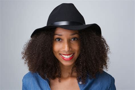 how to wesr thin wiry hair natural 4 ways to wear hats with big natural hair curls understood