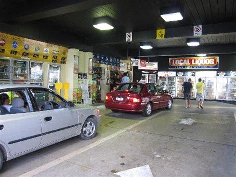 drive and shop drive thru bottle shop camilla og andres ser verden