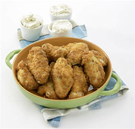 cuisiner des ailes de poulet 4 recettes d ailes de poulet pour le bowl jdq