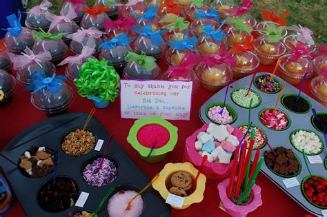 cupcake bar toppings cupcake bar great idea different flavor cupcakes