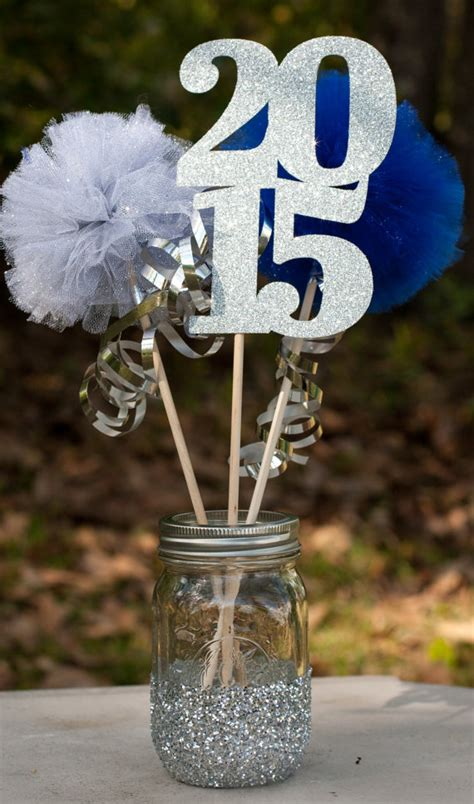 class of 2015 graduation party centerpiece table