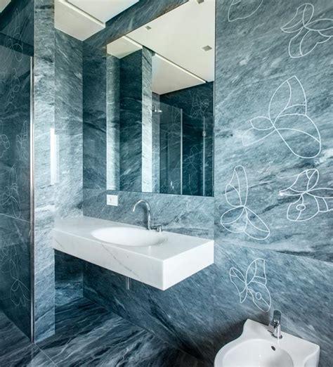 Rivestimento Bagno In Marmo by L Eleganza Marmo Blue De Savoie In Un Appartamento A