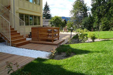 giardini esterni pavimenti in legno per parchi e giardini cor 224 parquet