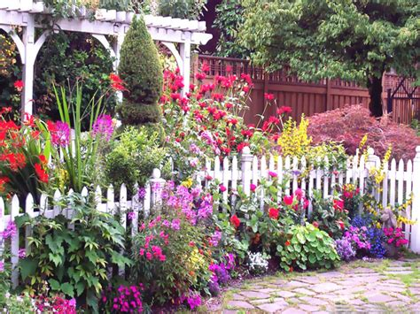 Flowers For Gardens Great Flower Garden Ideas For Small Yards This For All