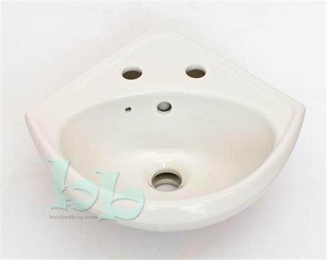 fordham sinks fordham arena wall mounted 2th corner basin sink white