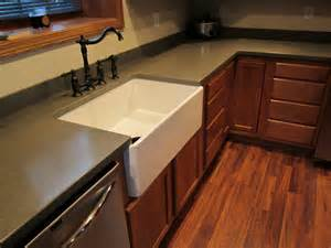 Kitchen kompact bretwood maple with corian silt countertop