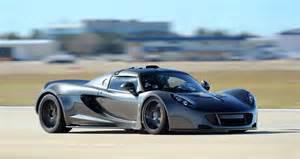 Venom Gt Bugatti Garagemahals Hennessey Venom Gt Outruns Bugatti Veyron