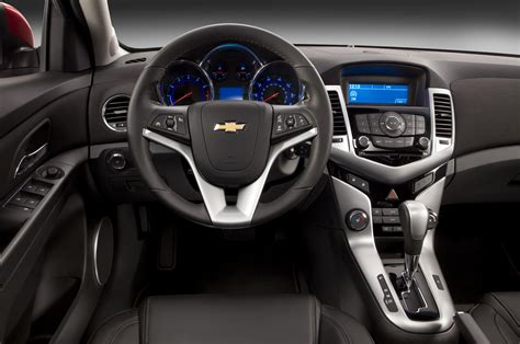 Interior Cruze by Chevrolet Cruze Taringa